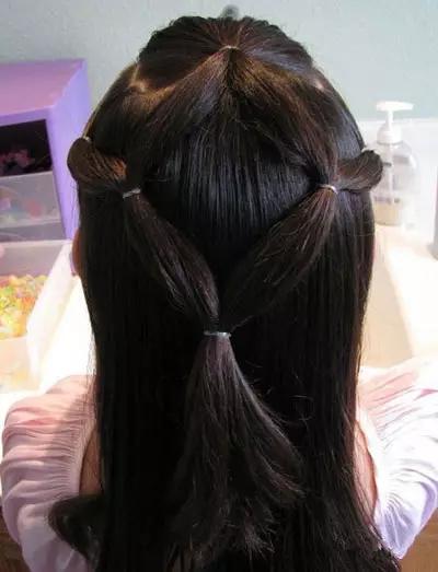 儿童扎头发教程,家有女儿的就给她这么扎~太稀饭了!